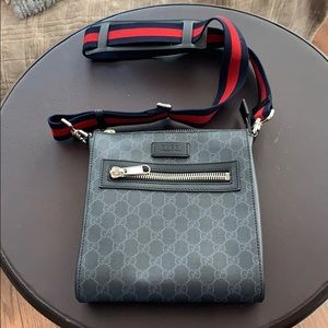 GG Black Small Messenger Bag